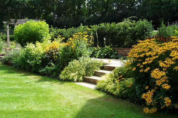 Country House Garden Design Guildford Surrey .